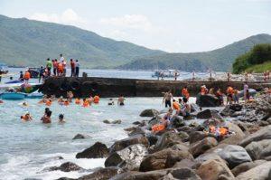 Морское путешествие на катамаране по заливу в Нячанге