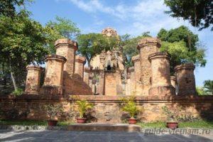 Чамские башни По Нагар в Нячанге (Po Nagar Cham Towers, или Понагар)