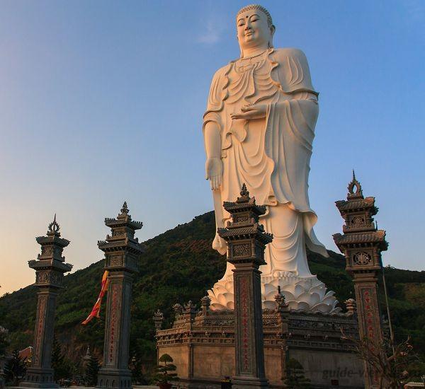 Пагода Тонг Лам Ло Шон в Нячанге