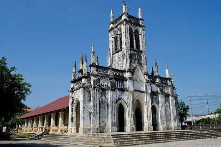 Католическая церковь Ха Дуа (Cathedral Ha Dua) в Нячанге