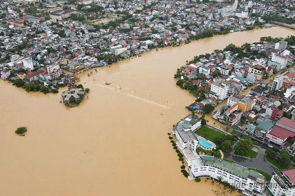 Наводнение во Вьетнаме (октябрь 2020)